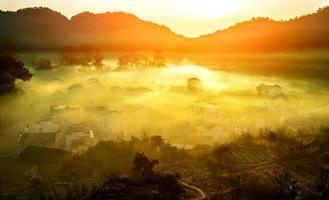 village chinois terre d'une beauté idyllique