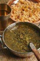 khalo dal - un daal commun préparé à partir de gramme noir. photo