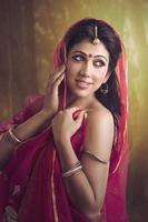 belle fille indienne traditionnelle photo