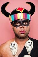 adulte indien déguisé en yamraj le seigneur de la mort photo