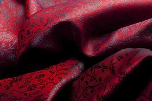 tissu cher avec des ornements