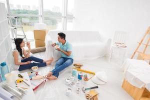 déjeuner dans un nouvel appartement photo