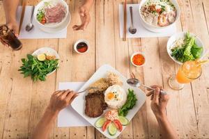dîner vietnamien photo