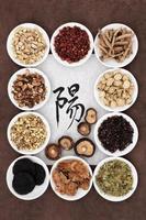 sélection d'herbes de yang photo