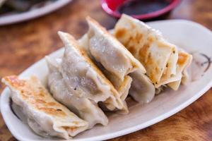boulette frite (vegan 素 煎餃) photo