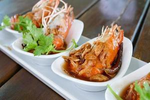 crevettes frites au persil et à l'échalote frite