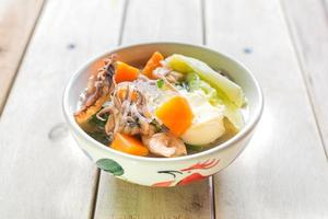 soupe de viande et de légumes photo