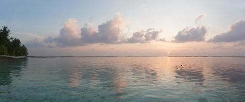 lever de soleil tropical