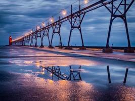phare après la pluie du soir photo