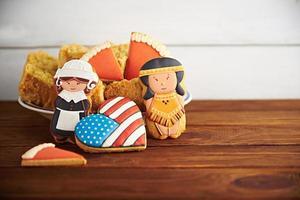 bonbons d'action de grâces sur un fond en bois photo