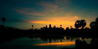 lever du soleil à angkor wat, cambodge