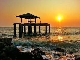 le pavillon au bord de mer