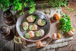 escargots faits maison avant de les rôtir