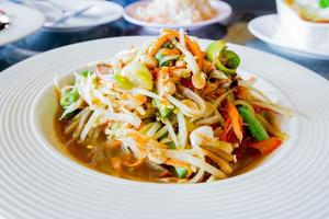 salade de papaye thaï, som tum.