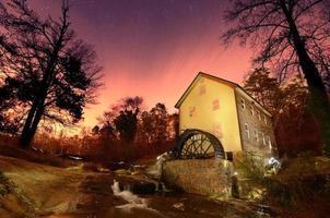 moulin la nuit photo