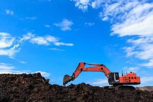 fond de trou et charbon