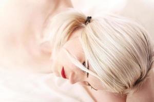 jeune femme, à, lèvres rouges photo