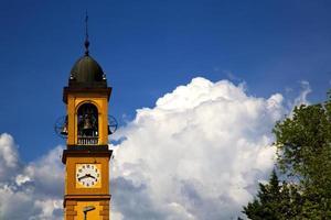 église varese italie l'ancien mur terrasse église bel photo