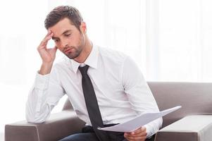 homme d'affaires fatigué. photo