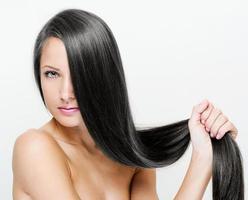 femme aux cheveux longs beauté