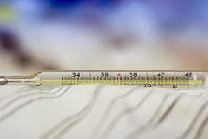 thermomètre à mercure photo