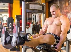 bodybuilder au gymnase photo