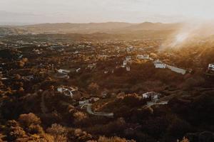 vue de paysage de banlieue d'en haut photo