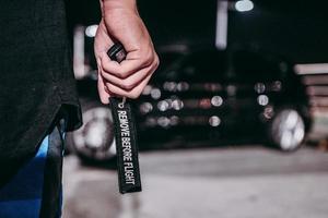 personne, tenue, noir, porte-clés, texte photo