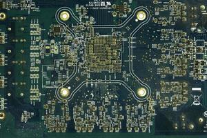 gros plan du circuit imprimé bleu