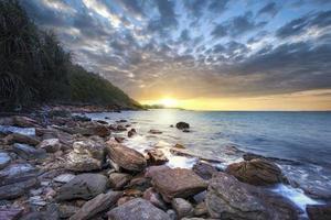 lever de soleil sur la mer photo