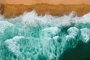 vagues de la mer s'écraser