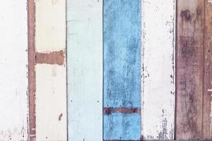 mur en bois peint vintage