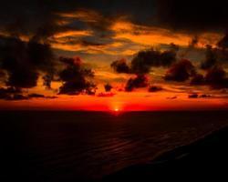 coucher de soleil sur l'horizon