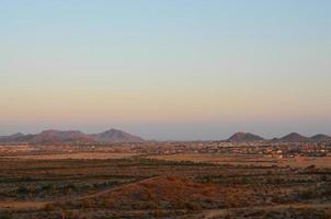 développement de logements dans les montagnes du désert photo