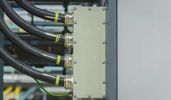 réseau de câbles de connexion. photo