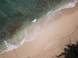 photographie aérienne du bord de mer photo