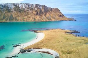 îlot et montagne photo