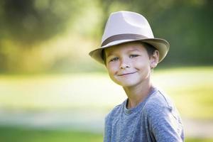 portrait, de, a, petit garçon, porter chapeau