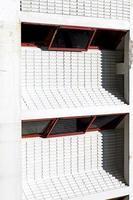 Résumé du bâtiment dans l'angle d'ombre de brique de béton photo