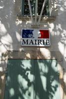 """panneau de l'hôtel de ville en français """"mairie"""" photo"""