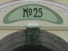 façade de l'immeuble alesund, norvège photo
