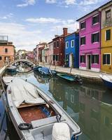 maisons colorées - burano, italie photo