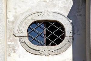 Église de Sumirago varese italie t ose fenêtre et mosaïque photo
