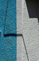 jeu de lumière et de couleur du mur