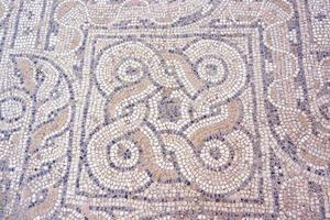 fragment de mosaïque sur le sol photo