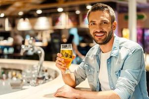 l'heure d'une bière. photo