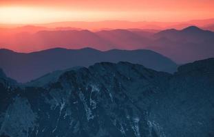 couches de sommets des montagnes