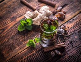 thé aux herbes photo