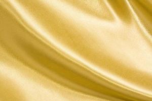 soie dorée