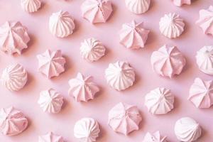 meringues roses photo